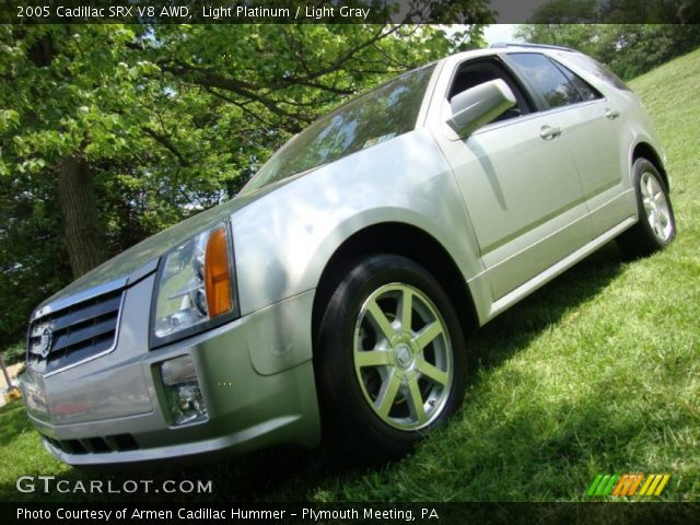 2005 Cadillac SRX V8 AWD in Light Platinum