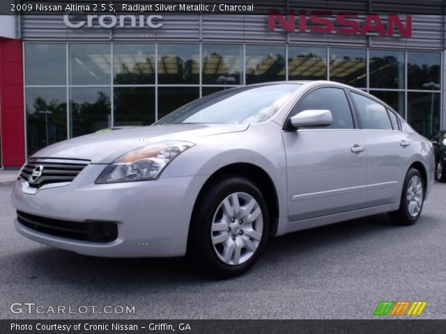 radiant silver metallic 2009 nissan altima 2 5 s charcoal interior vehicle. Black Bedroom Furniture Sets. Home Design Ideas