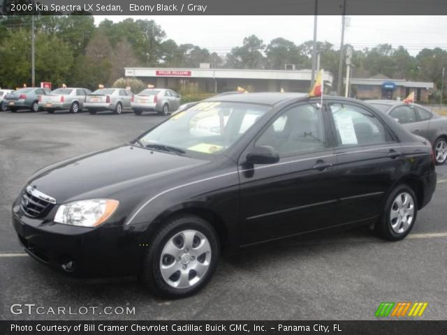 2006 Kia Spectra LX Sedan in Ebony Black