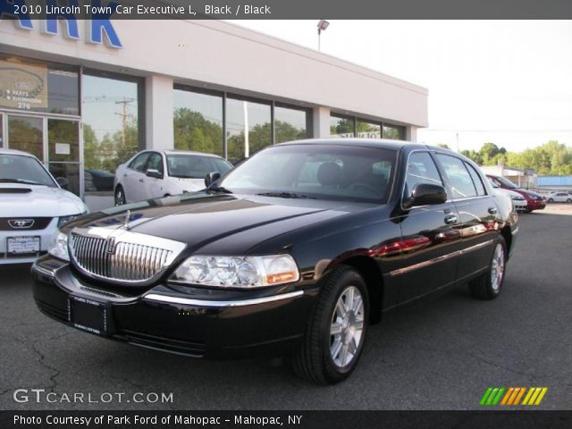 black 2010 lincoln town car executive l black interior vehicle archive. Black Bedroom Furniture Sets. Home Design Ideas