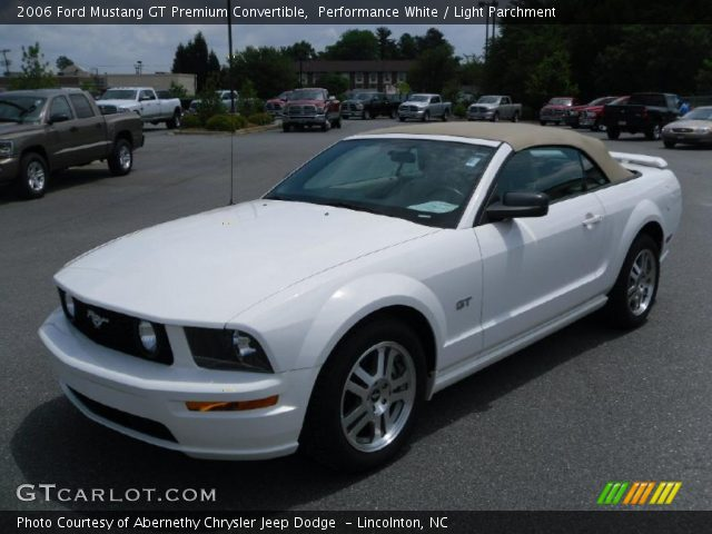 Performance White 2006 Ford Mustang Gt Premium