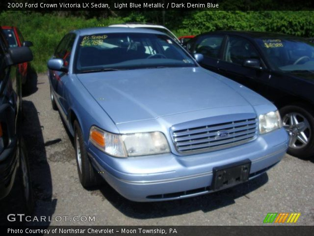 light blue metallic 2000 ford crown victoria lx sedan dark denim blue interior gtcarlot. Black Bedroom Furniture Sets. Home Design Ideas