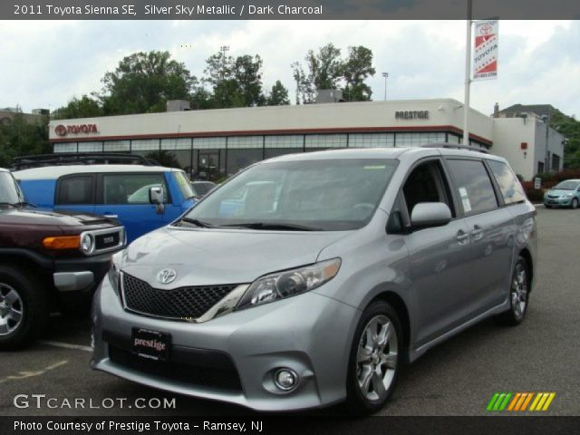 silver sky metallic 2011 toyota sienna se dark. Black Bedroom Furniture Sets. Home Design Ideas