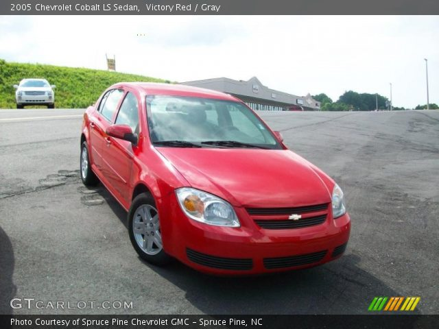 victory red 2005 chevrolet cobalt ls sedan gray. Black Bedroom Furniture Sets. Home Design Ideas