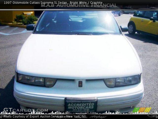 1997 Oldsmobile Cutlass Supreme SL Sedan in Bright White