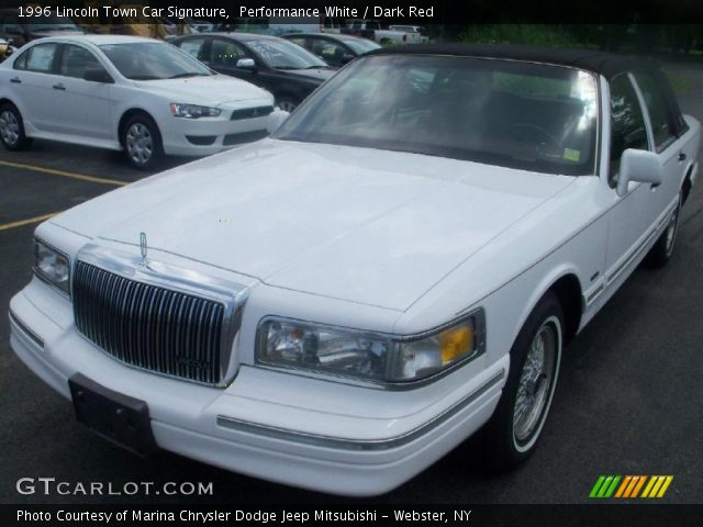 performance white 1996 lincoln town car signature dark red interior vehicle. Black Bedroom Furniture Sets. Home Design Ideas