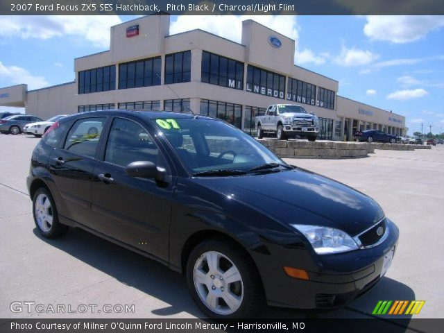 pitch black 2007 ford focus zx5 ses hatchback charcoal. Black Bedroom Furniture Sets. Home Design Ideas