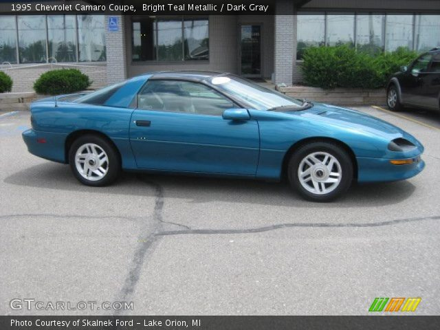 bright teal metallic 1995 chevrolet camaro coupe dark. Black Bedroom Furniture Sets. Home Design Ideas