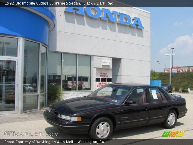 1992 Oldsmobile Cutlass Supreme S Sedan in Black