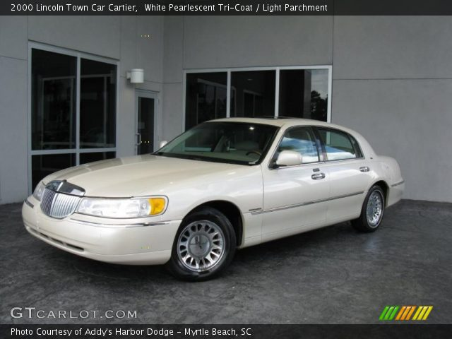white pearlescent tri coat 2000 lincoln town car cartier light parchment interior gtcarlot. Black Bedroom Furniture Sets. Home Design Ideas