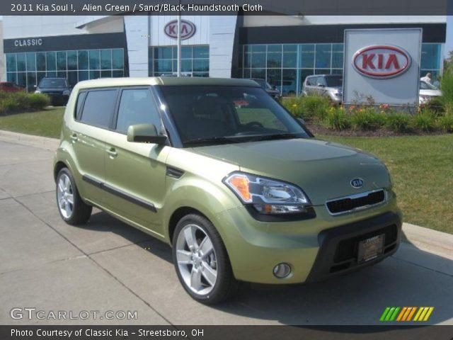 2011 Kia Soul ! in Alien Green