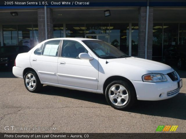 cloud white 2005 nissan sentra 1 8 s charcoal interior. Black Bedroom Furniture Sets. Home Design Ideas
