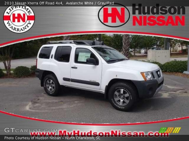 avalanche white 2010 nissan xterra off road 4x4 gray red interior vehicle. Black Bedroom Furniture Sets. Home Design Ideas