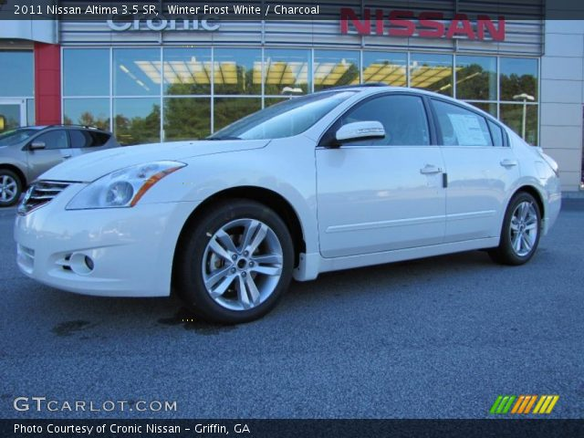 winter frost white 2011 nissan altima 3 5 sr charcoal interior vehicle. Black Bedroom Furniture Sets. Home Design Ideas