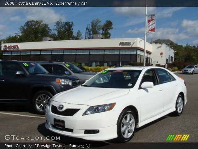 super white 2008 toyota camry se v6 ash interior vehicle archive 37699473. Black Bedroom Furniture Sets. Home Design Ideas