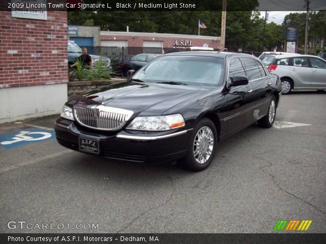 black 2009 lincoln town car signature l medium light. Black Bedroom Furniture Sets. Home Design Ideas