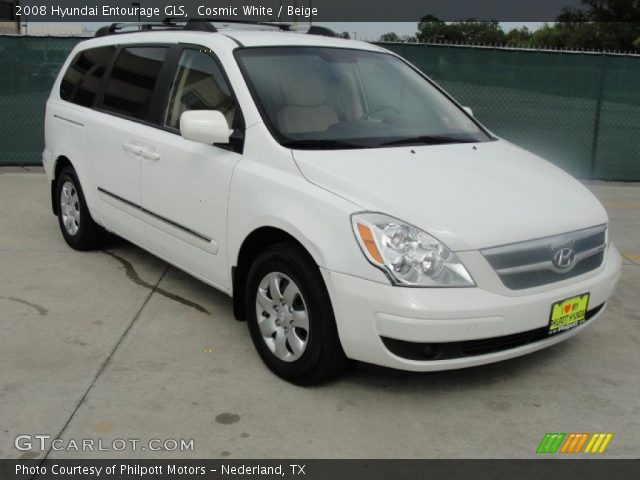 2008 Hyundai Entourage GLS in Cosmic White