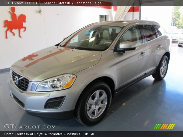 2011 Volvo XC60 3.2 in Seashell Metallic