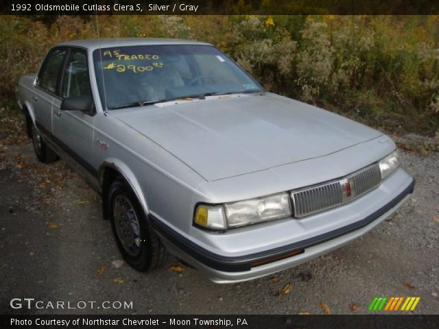 Oldsmobile Cutlass Ciera 1992. Silver 1992 Oldsmobile Cutlass