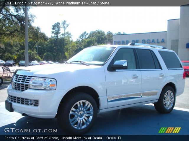 2011 Lincoln Navigator 4x2 in White Platinum Tri-Coat