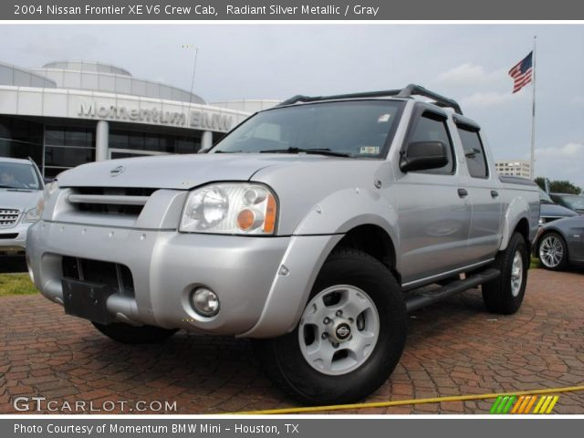 radiant silver metallic 2004 nissan frontier xe v6 crew cab gray interior. Black Bedroom Furniture Sets. Home Design Ideas
