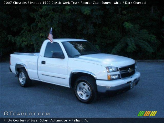 2007 Chevrolet Silverado 1500 Classic Work Truck Regular Cab in Summit White