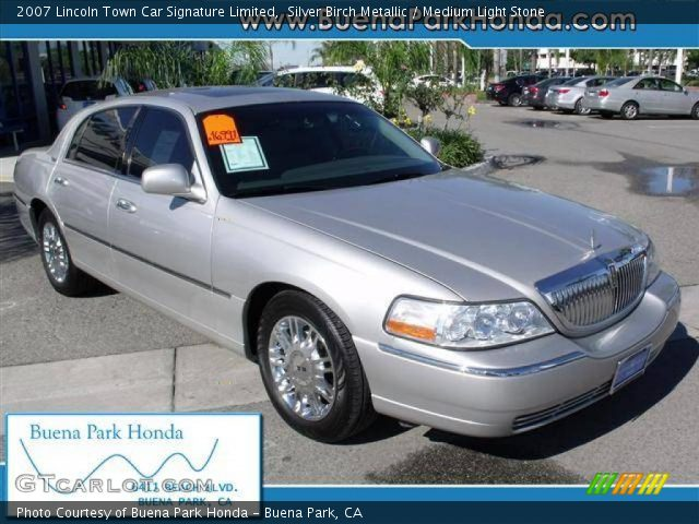 silver birch metallic 2007 lincoln town car signature limited medium light stone interior. Black Bedroom Furniture Sets. Home Design Ideas