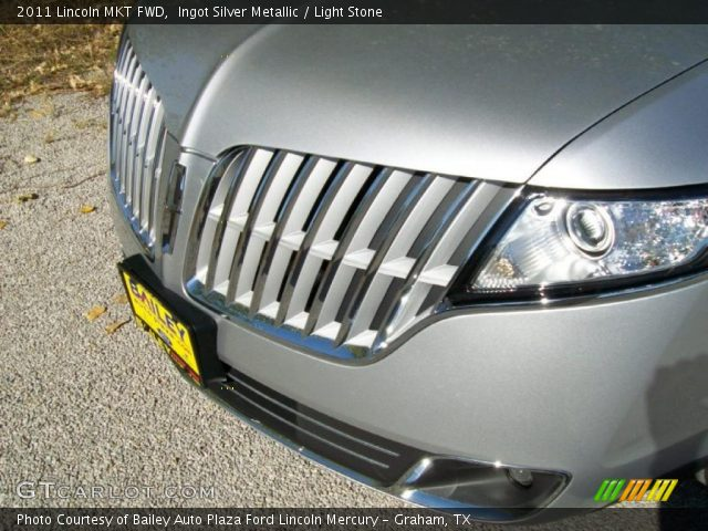 2011 Lincoln MKT FWD in Ingot Silver Metallic