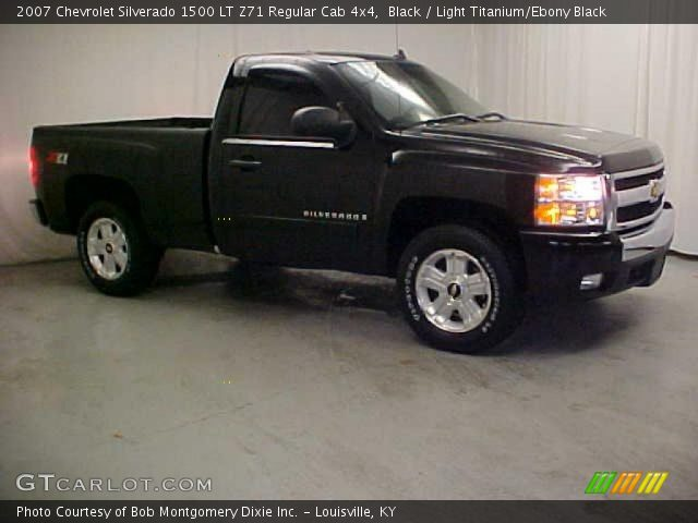 2007 Chevrolet Silverado 1500 LT Z71 Regular Cab 4x4 in Black