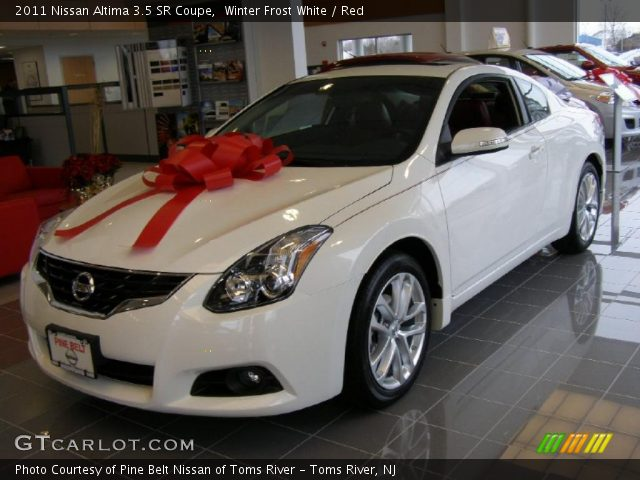 winter frost white 2011 nissan altima 3 5 sr coupe red. Black Bedroom Furniture Sets. Home Design Ideas