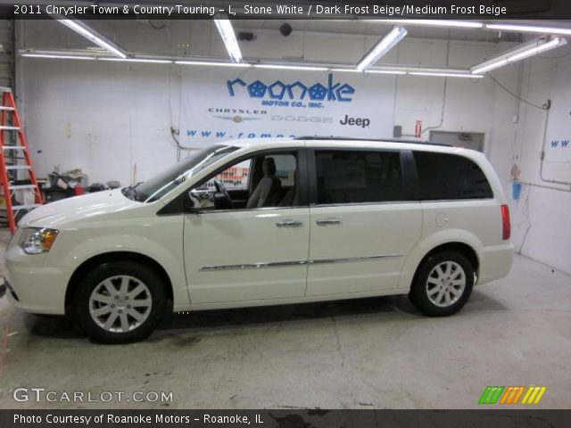 2011 Chrysler Town & Country Touring - L in Stone White