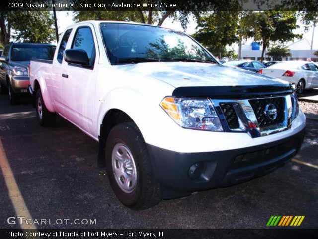 avalanche white 2009 nissan frontier xe king cab steel interior vehicle. Black Bedroom Furniture Sets. Home Design Ideas