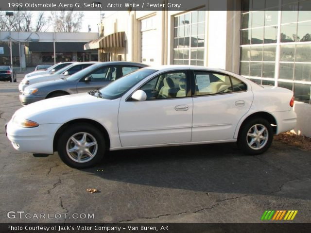Arctic White - 1999 Oldsmobile Alero Gl Sedan