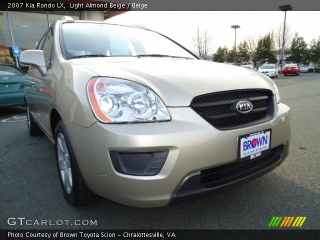 light almond beige 2007 kia rondo lx beige interior. Black Bedroom Furniture Sets. Home Design Ideas