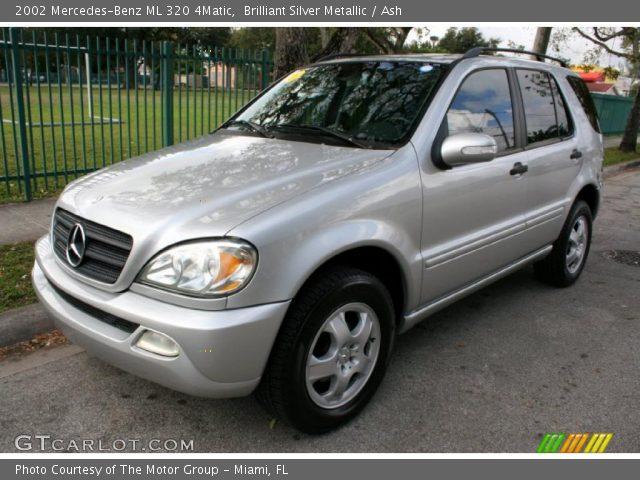 Brilliant silver metallic 2002 mercedes benz ml 320 for Mercedes benz ml 320 2002