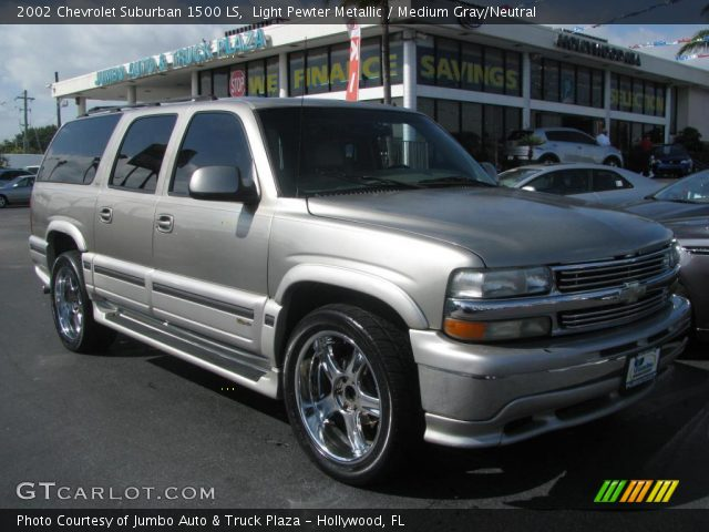 light pewter metallic 2002 chevrolet suburban 1500 ls medium gray neutral interior. Black Bedroom Furniture Sets. Home Design Ideas