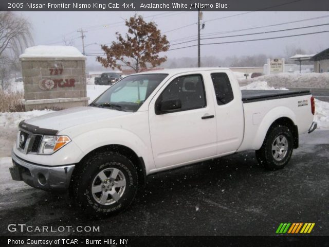 Avalanche White 2005 Nissan Frontier Nismo King Cab 4x4 Nismo Blue Interior