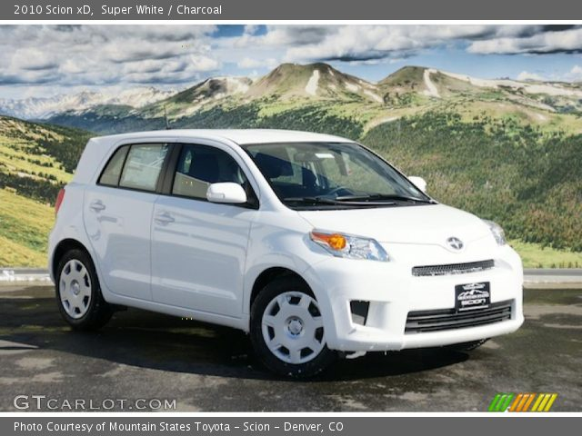 2010 Scion xD  in Super White