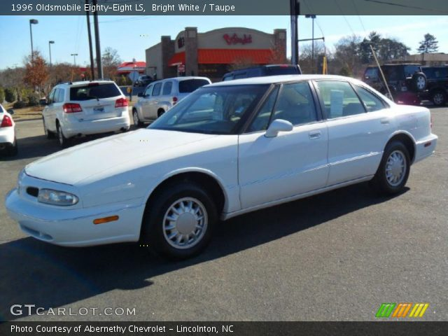 1996 Oldsmobile Eighty-Eight LS in Bright White