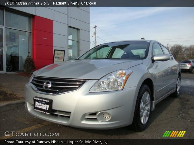 Radiant Silver 2010 Nissan Altima 2 5 S Charcoal Interior Vehicle Archive