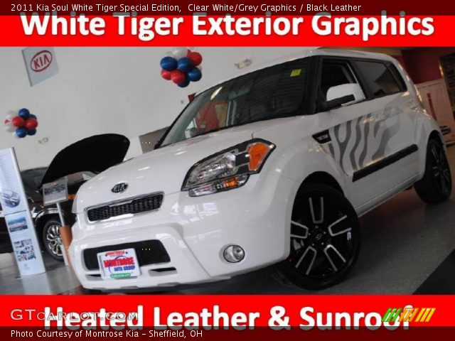 2011 Kia Soul White Tiger Special Edition in Clear White/Grey Graphics