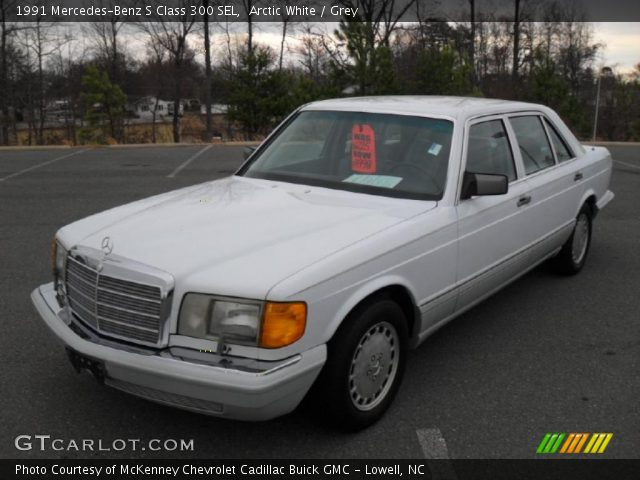 1991 Mercedes-Benz S Class 300 SEL in Arctic White