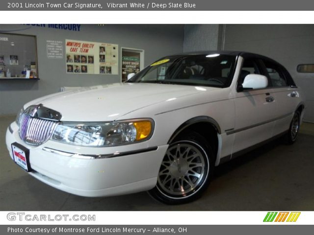 vibrant white 2001 lincoln town car signature deep slate blue interior. Black Bedroom Furniture Sets. Home Design Ideas