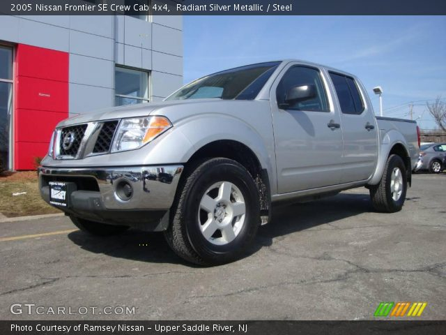 radiant silver metallic 2005 nissan frontier se crew cab. Black Bedroom Furniture Sets. Home Design Ideas