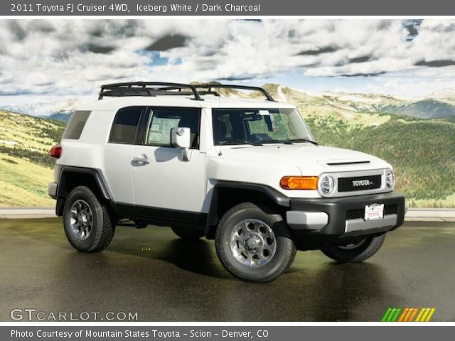 2011 Toyota FJ Cruiser 4WD in Iceberg White