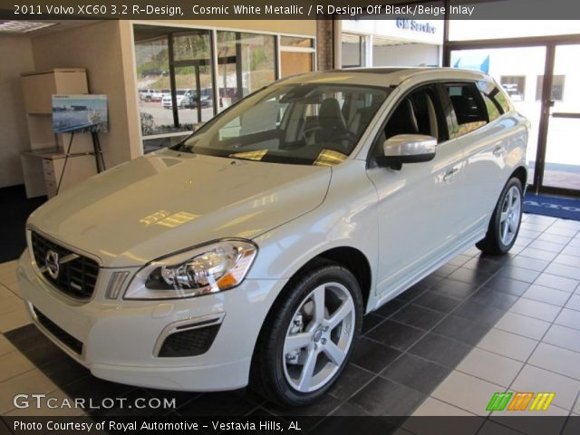 2011 Volvo XC60 3.2 R-Design in Cosmic White Metallic