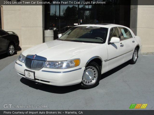 white pearl tri coat 2001 lincoln town car executive. Black Bedroom Furniture Sets. Home Design Ideas
