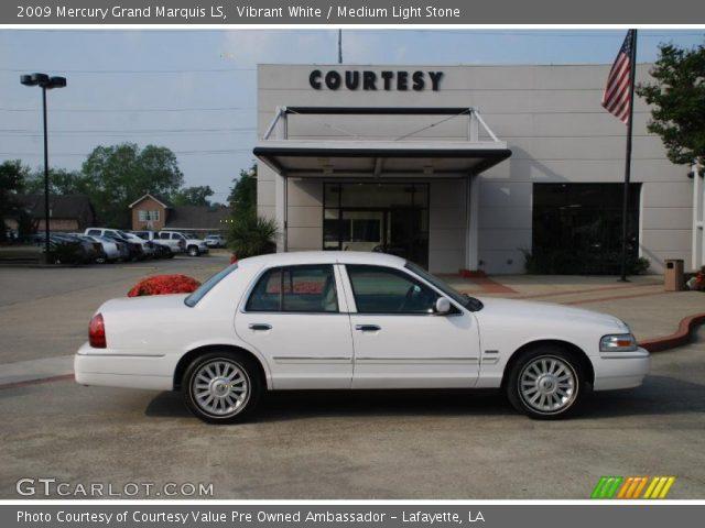 2009 Mercury Grand Marquis LS in Vibrant White