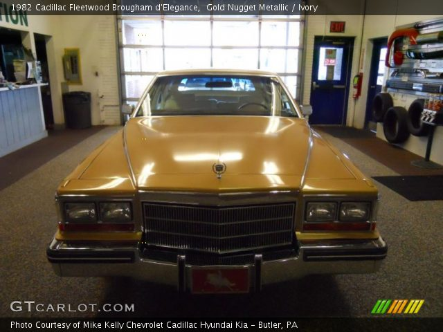 1982 Cadillac Fleetwood Brougham d'Elegance in Gold Nugget Metallic