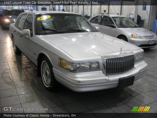 silver frost pearl metallic 1997 lincoln town car executive red interior. Black Bedroom Furniture Sets. Home Design Ideas